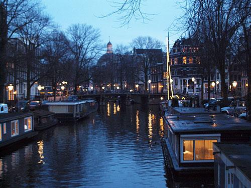 アムステルダムの運河の風景