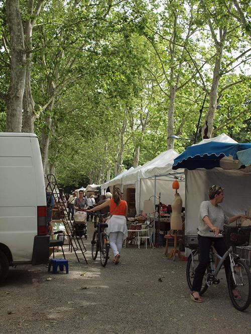 フランスの蚤の市