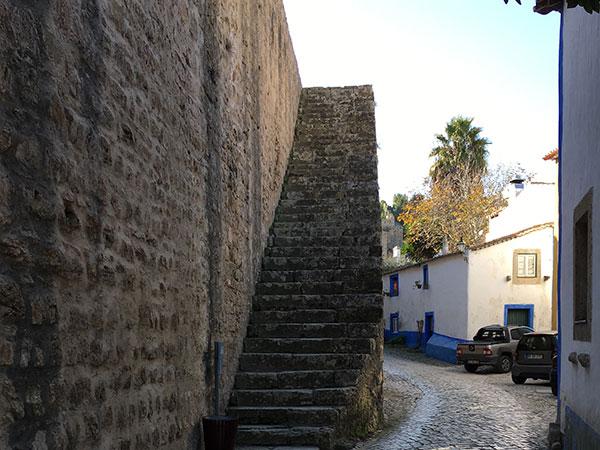 城壁に登る階段
