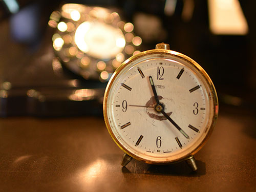 泥棒市で見つけた古い時計