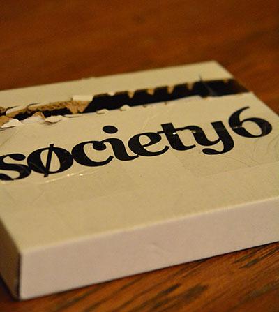 Society 6でオーダーしたiPhoneケース