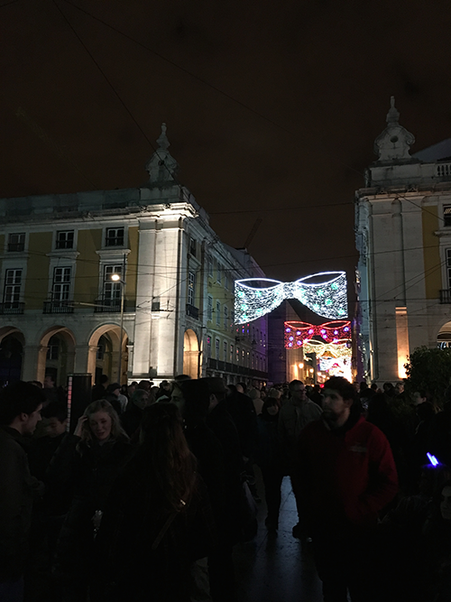 夜のコメルシオ広場