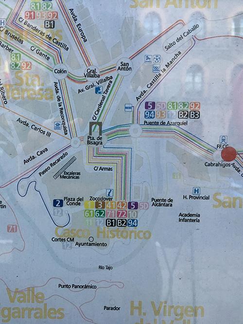 トレド駅前のバスルート