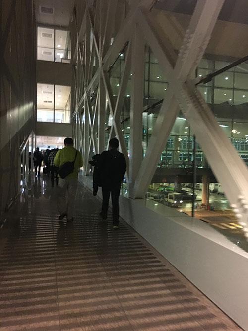 バルセロナターミナル1に到着