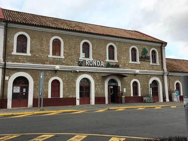スペインのロンダ駅