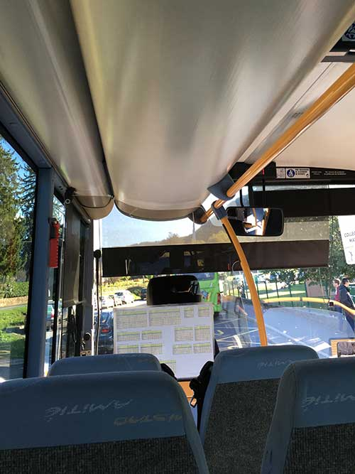 コンク行きバス