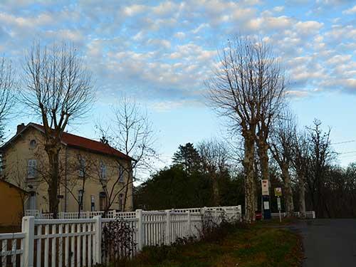 Cordes de Vindracの駅