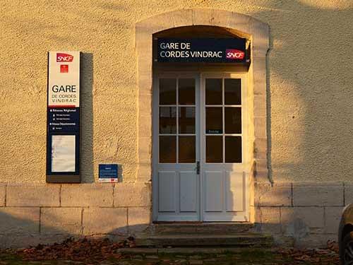Cordes de Vindrac SNCFの駅