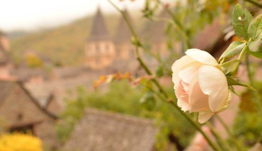 「美女と野獣」のモデルにもなったフランスの美しい村コンク(Conques)の見どころ