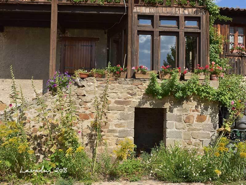 フランスの美しい村ラヴォデュ