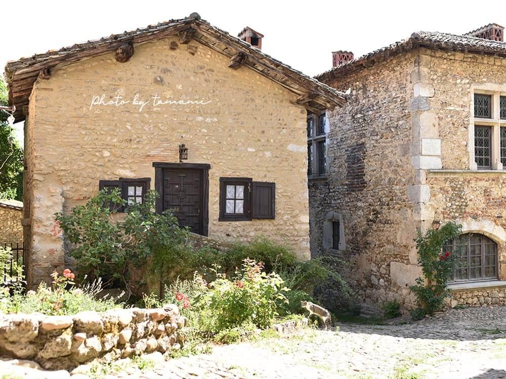 フランスの美しい村ペルージュ