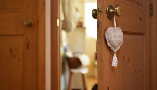 手作り雑貨でフレンチカントリーな部屋づくり!サシェの飾り方と作り方