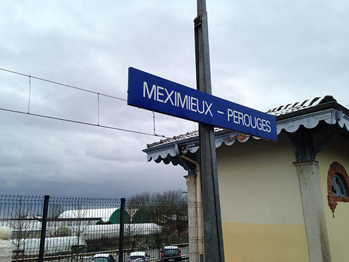 Meximeux-Perouges駅
