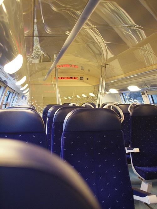リヨンからペルージュ行きの列車