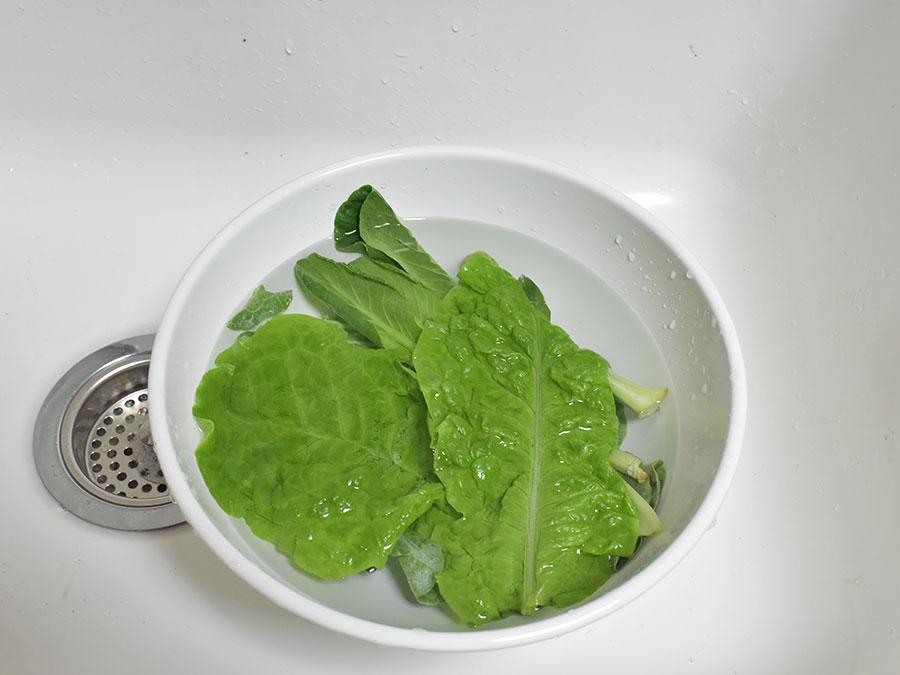 スムージーレシピ 野菜をよく洗う