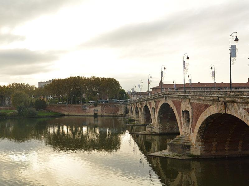 トゥールーズガロンヌ川