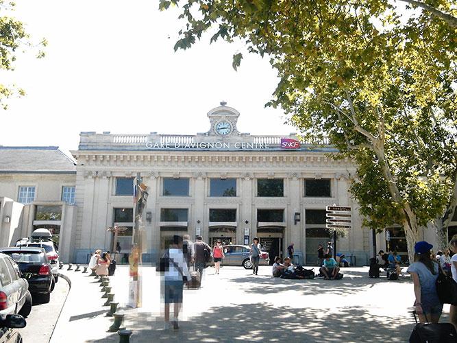 アヴィニョンサントル駅周辺