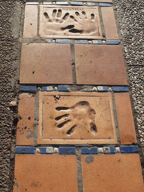 カンヌのパレの前の手形