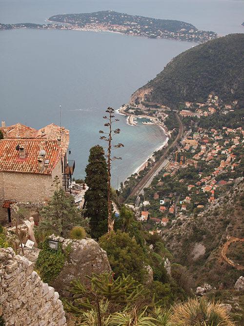 鷲ノ巣村エズから地中海を眺める