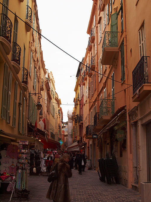 モナコの街を散策