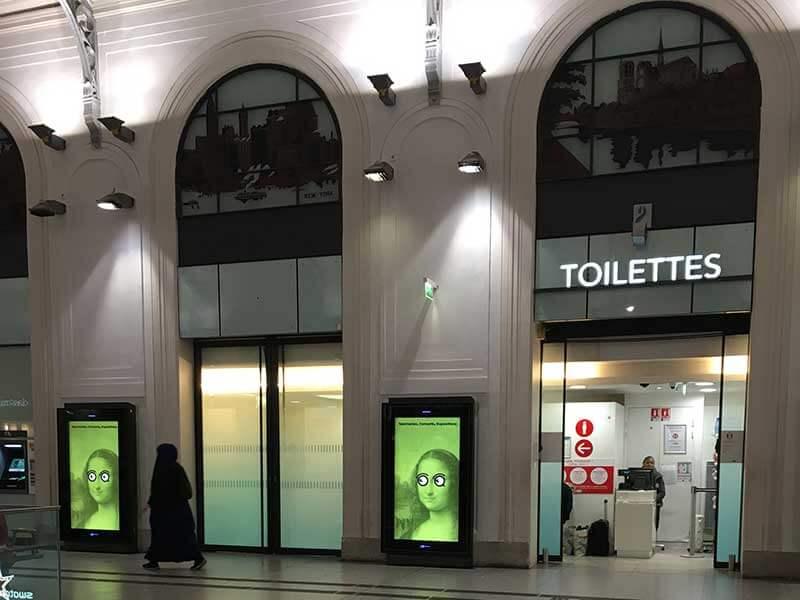 フランスのトイレの入り方