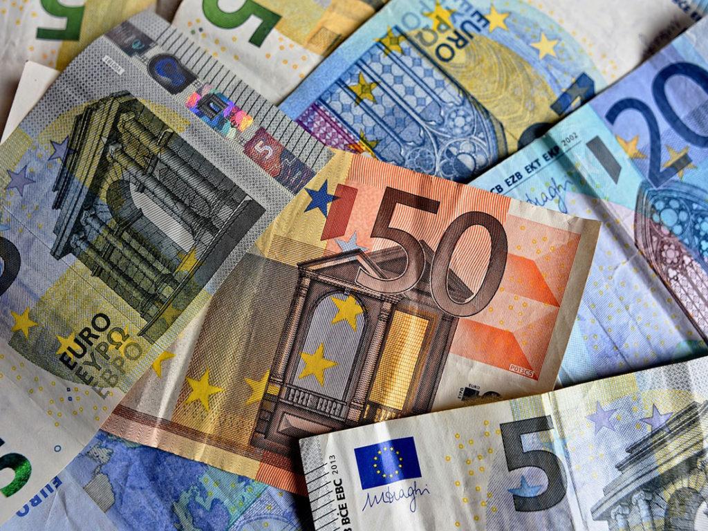 海外旅行の両替はどこでするのがお得か?