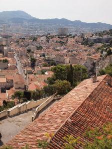 ノートルダム・ド・ラ・ギャルド・バジリカ聖堂がある丘の上からの景色