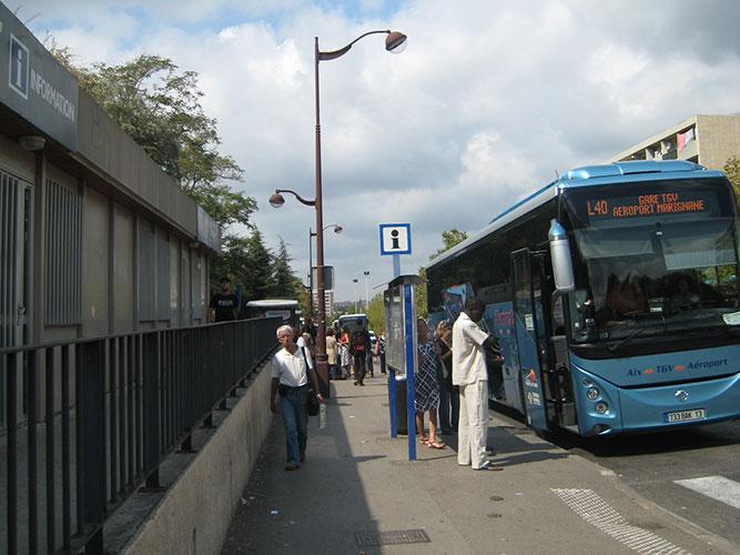 エクスTGV駅・マルセイユプロヴァンス空港行き40番バス