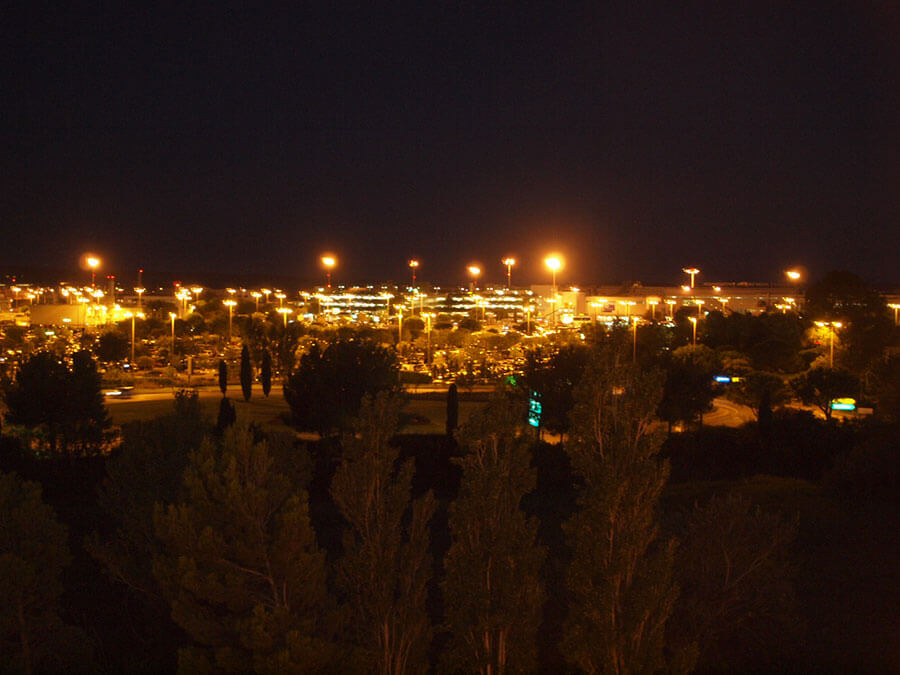 ibis Marseille Provence Aéroportから見る夜景