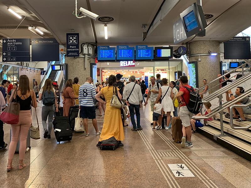リヨン、8月のパール・デュー駅