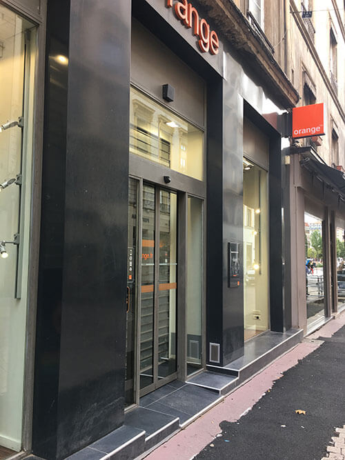 フランスの携帯会社orange