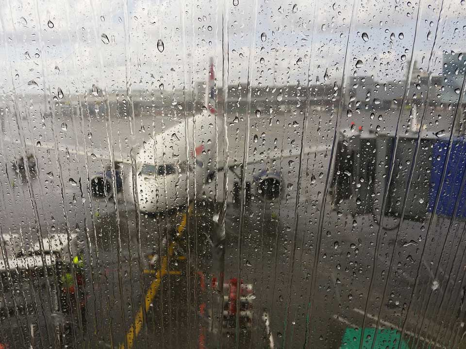 台風の影響による遅延や欠航