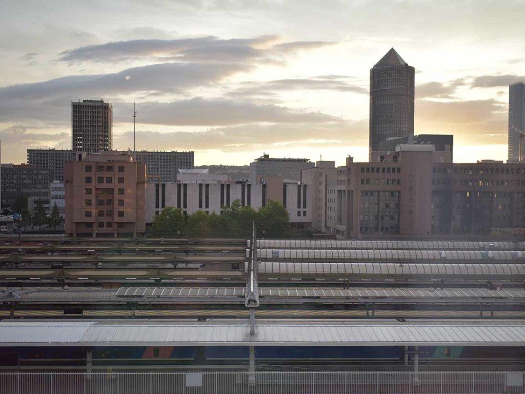 リヨンのパール・デュー駅を眺める