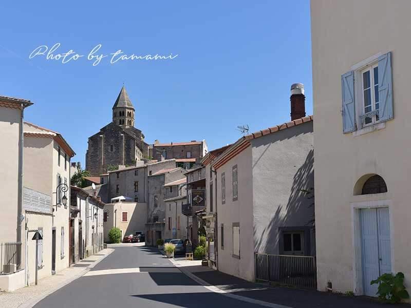 オーヴェルニュ地方にある美しい村サン・サテュルナン