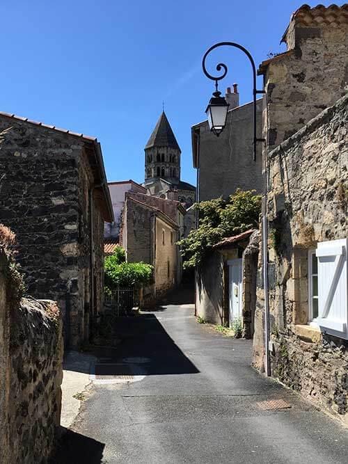 フランスの美しい村サン・サテュルナン