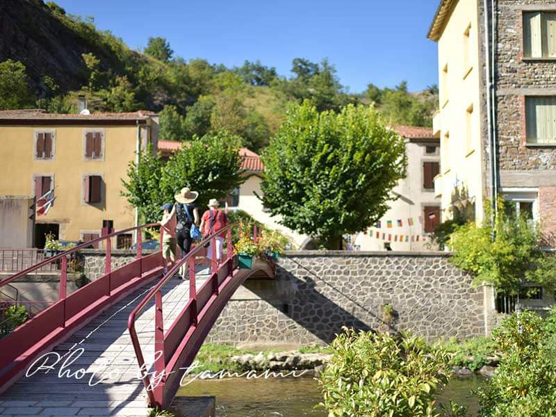 サン・フロレの赤い橋