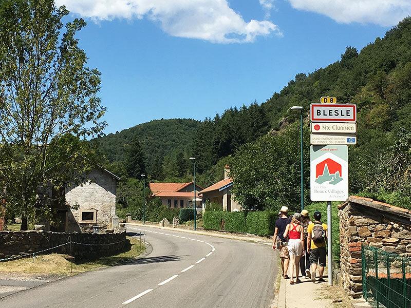 Blesleの村入り口