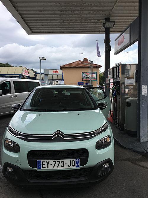 ルピュイのガソリンスタンド