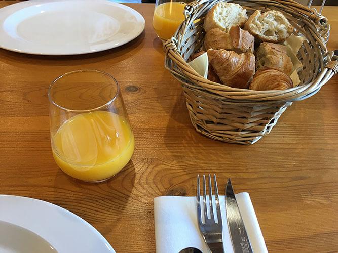 L'auberge de Vazeratの朝食