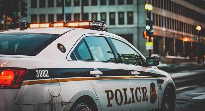 強盗に遭い警察へ