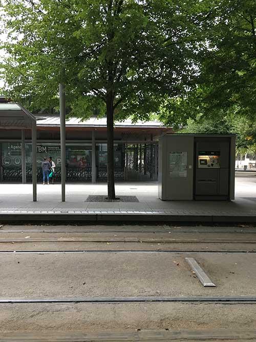 ボルドーのトラム駅Quinconces