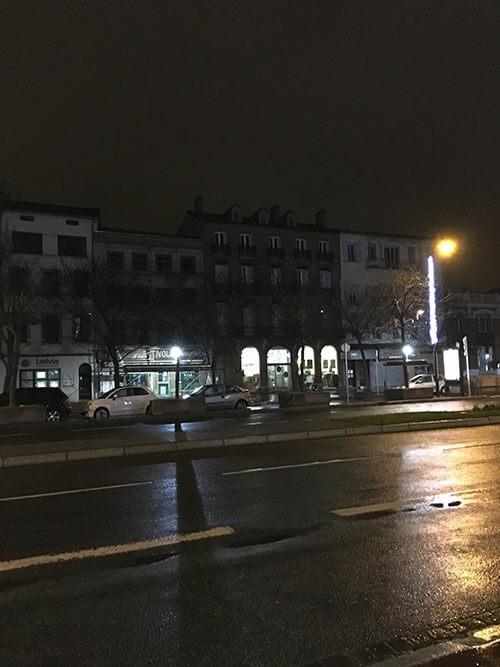 夜のトゥールーズ ベストウェスタンホテル周辺