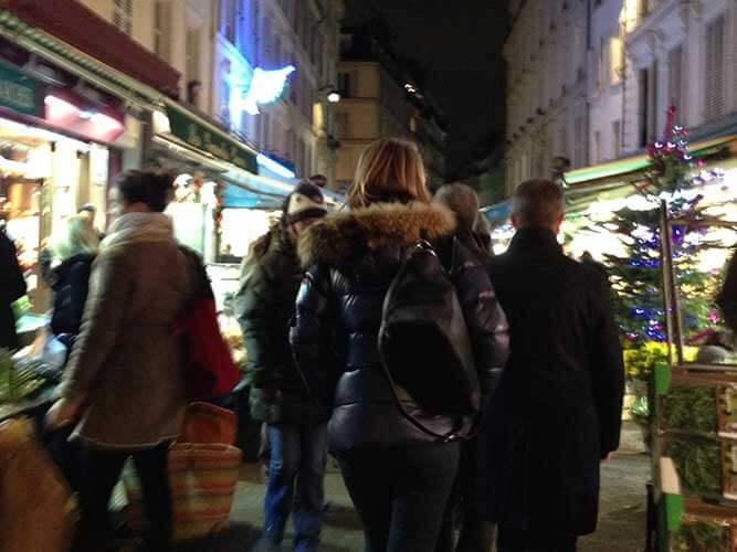 パリ・テルヌ通り近くのマルシェ