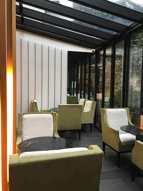 Hotel Mercure Paris Champs Elyséesフロント