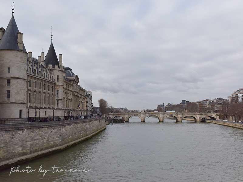 パリ セーヌ川
