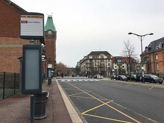 コルマール駅にある106番バス乗り場