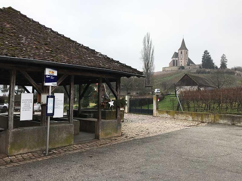 ユナヴィル(Hunawihr)のバス乗り場