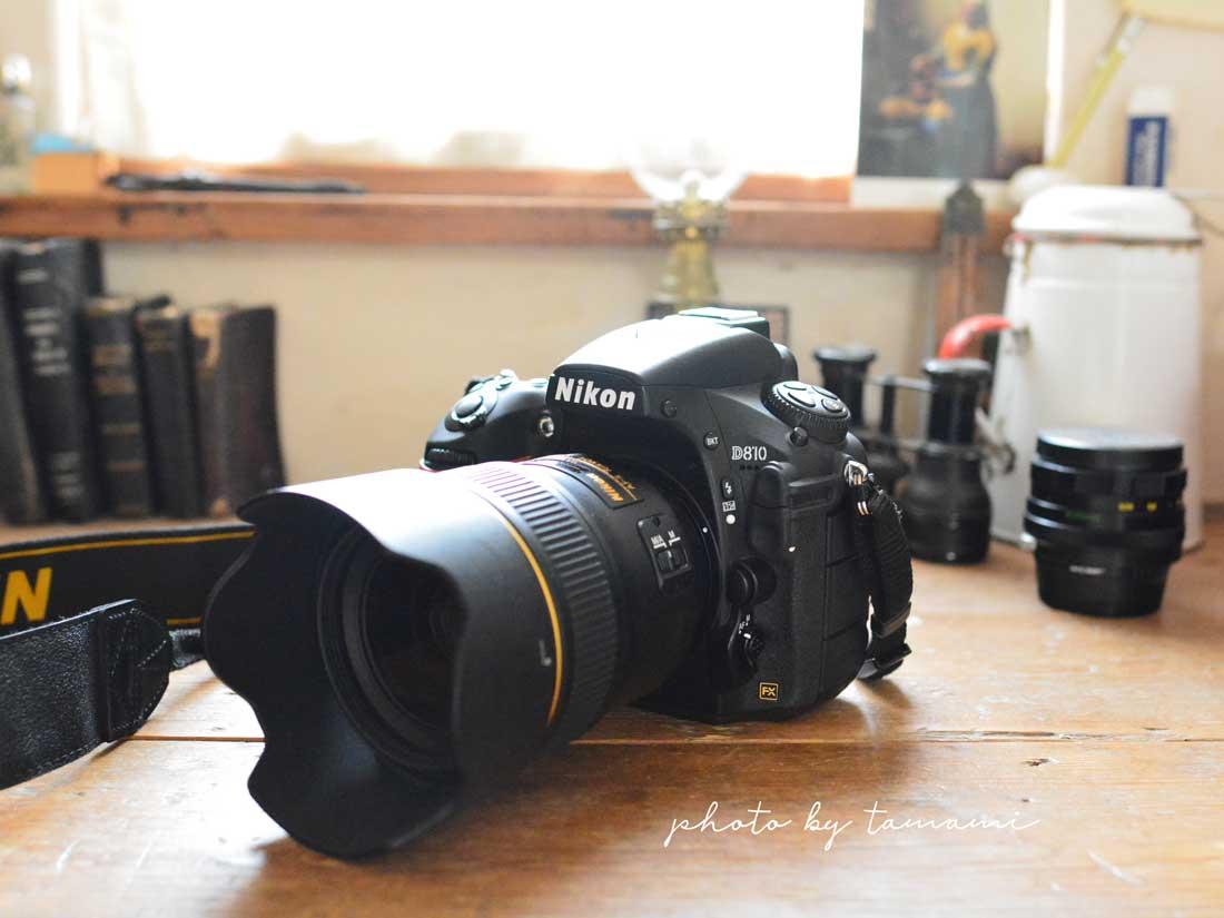 NIKON D810ボディと35mmレンズ