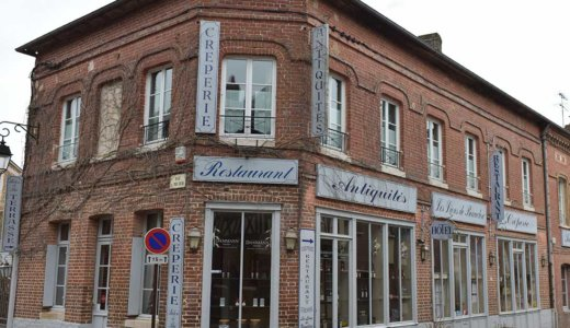 フランスの美しい村リヨン・ラ・フォレ(Lyons-la-Foret)でおすすめのホテル【Les Lions De Beauclerc】は広くて快適!