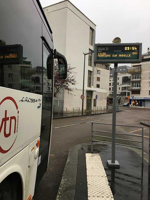 ルーアンからリヨン・ラ・フォレ行きの500番バス